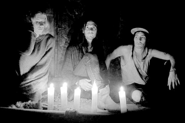 Witch house listen with the lights on for Witch house music