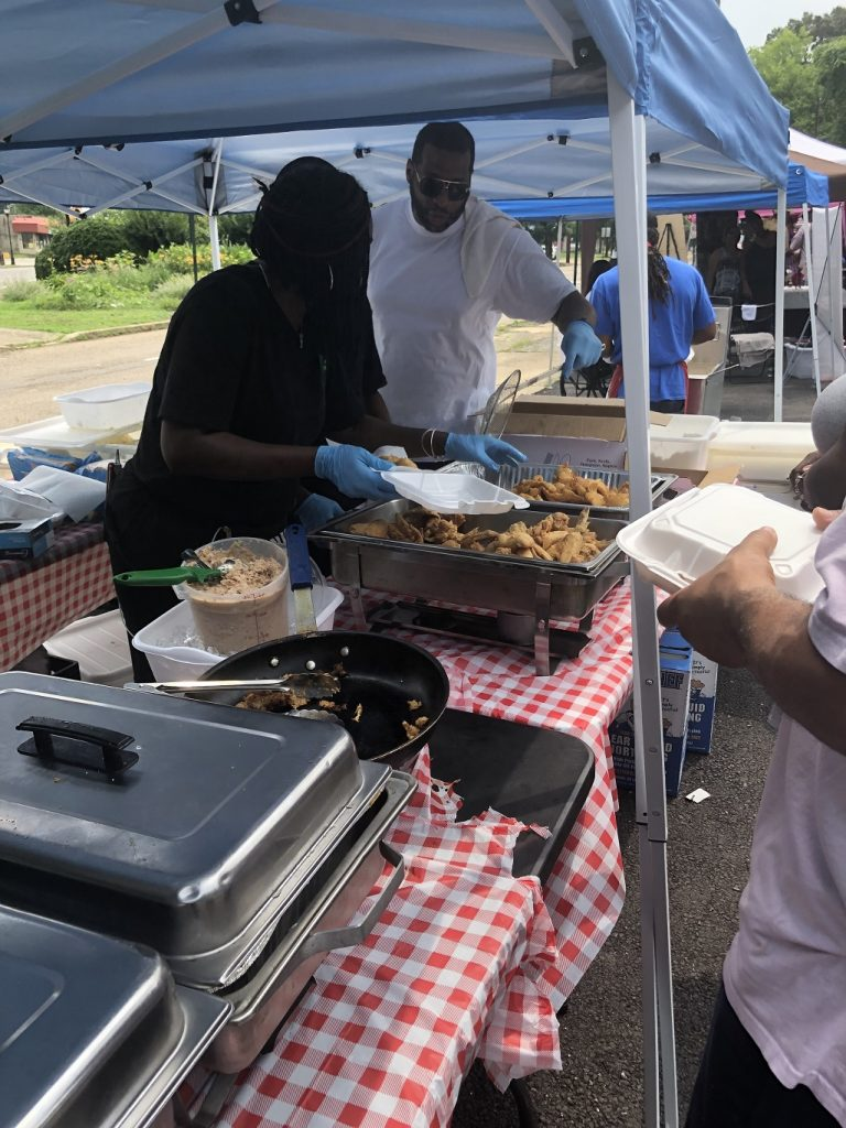 Ms Girlee S Kitchen Brings Outdoor Fish Fry To Fulton Hill Rva Mag